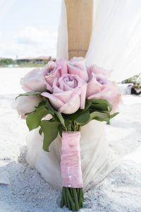 pink-wedding-bouquet_the-pretty-brown-bride