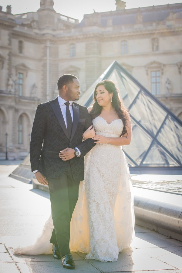 Destination wedding: Sweet Paris Wedding on the  Le Montebello boat